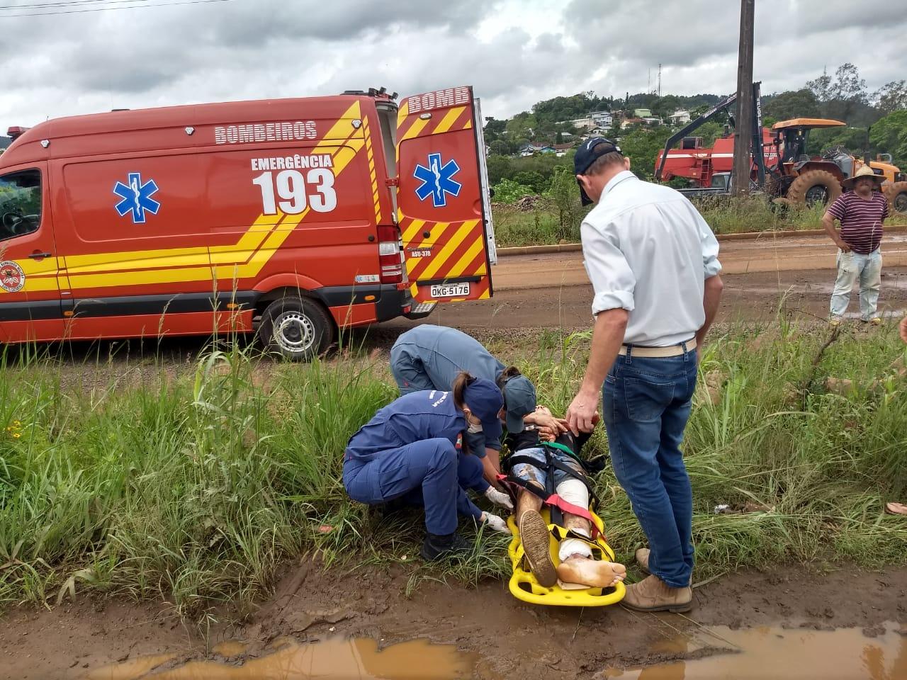 Motociclista fica ferido em colisão traseira na BR-163
