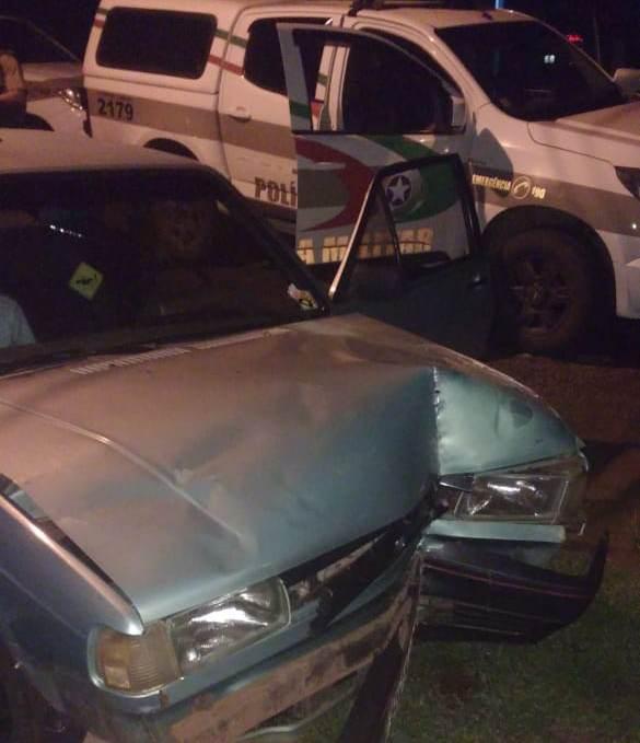 Motorista sem habilitação tem carro apreendido depois de fugir de abordagem