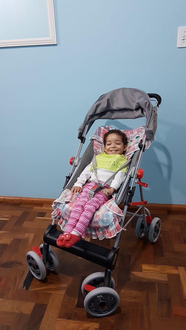 Creche desenvolve campanha para adquirir cadeira de rodas para criança
