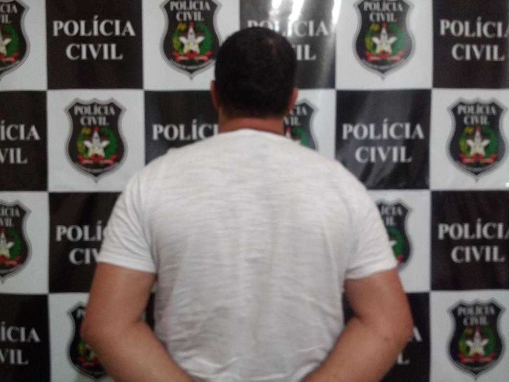 Polícia Civil de Maravilha prende acusado de estuprar três enteadas