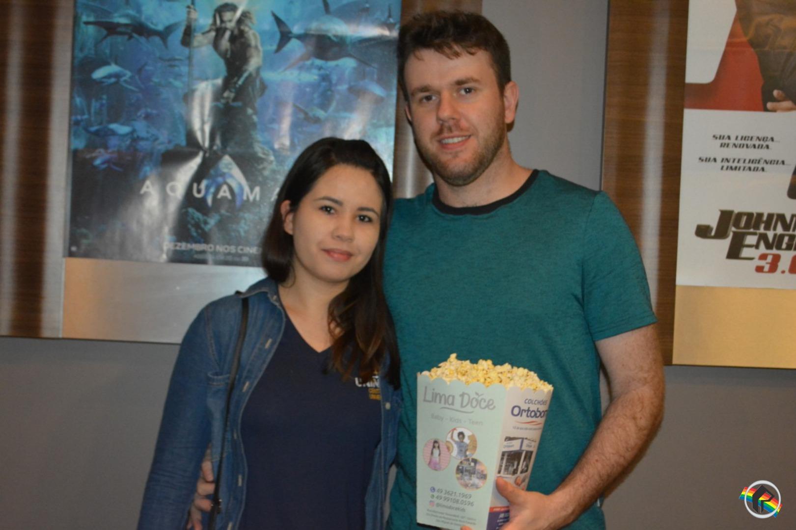 Público prestigia estréia do filme Halloween no Cine Peperi