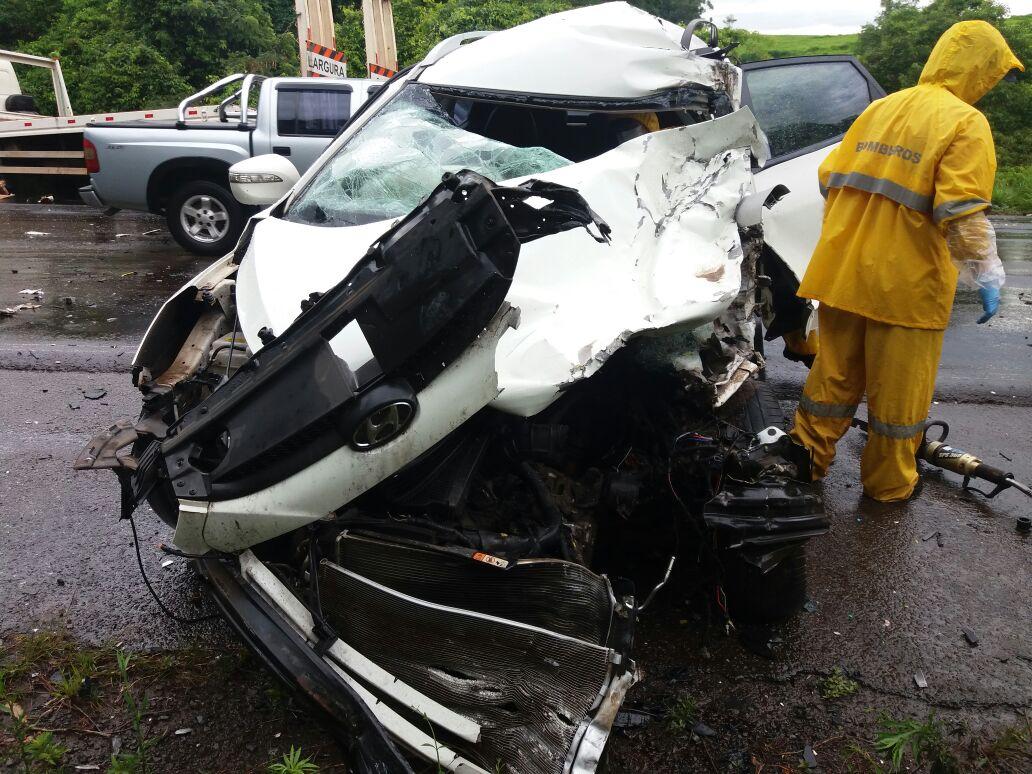 Colisão mata motorista na BR-282