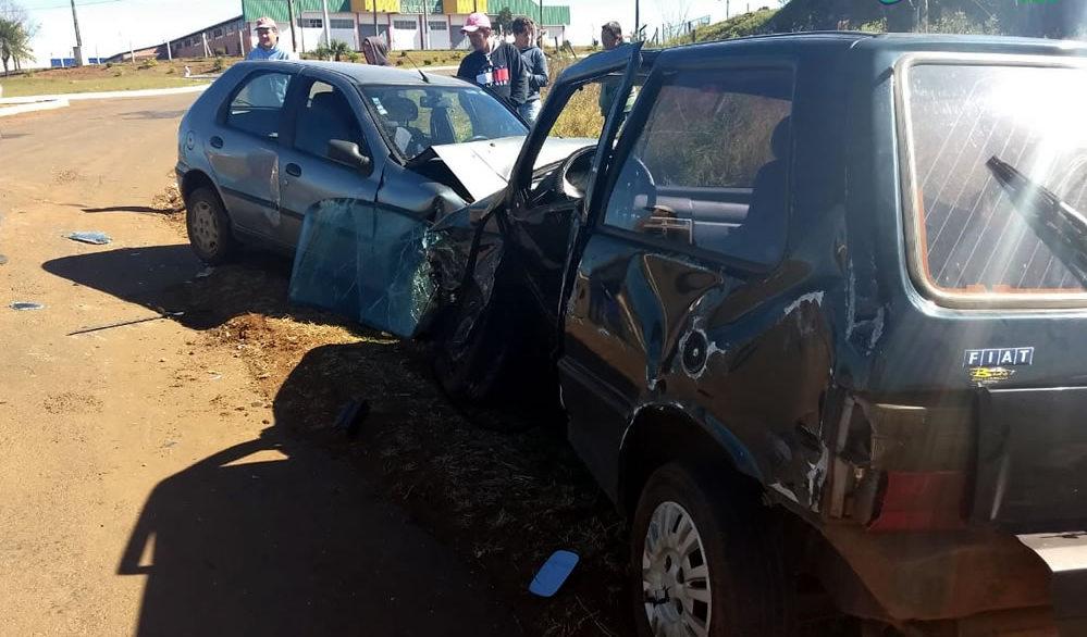 Mulher fica gravemente ferida em colisão na BR-163