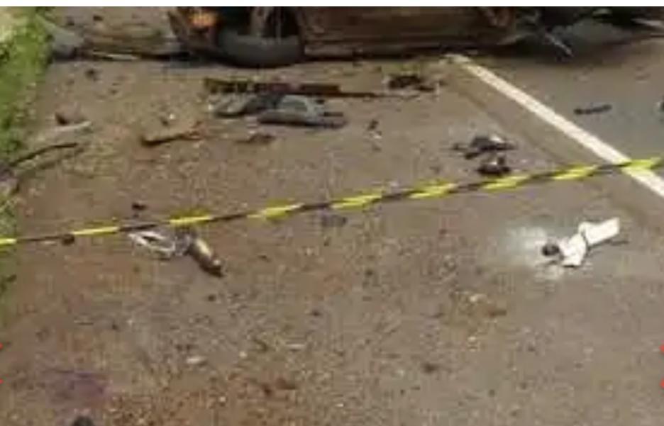 Acidente deixa duas pessoas mortas e duas feridas na BR-282