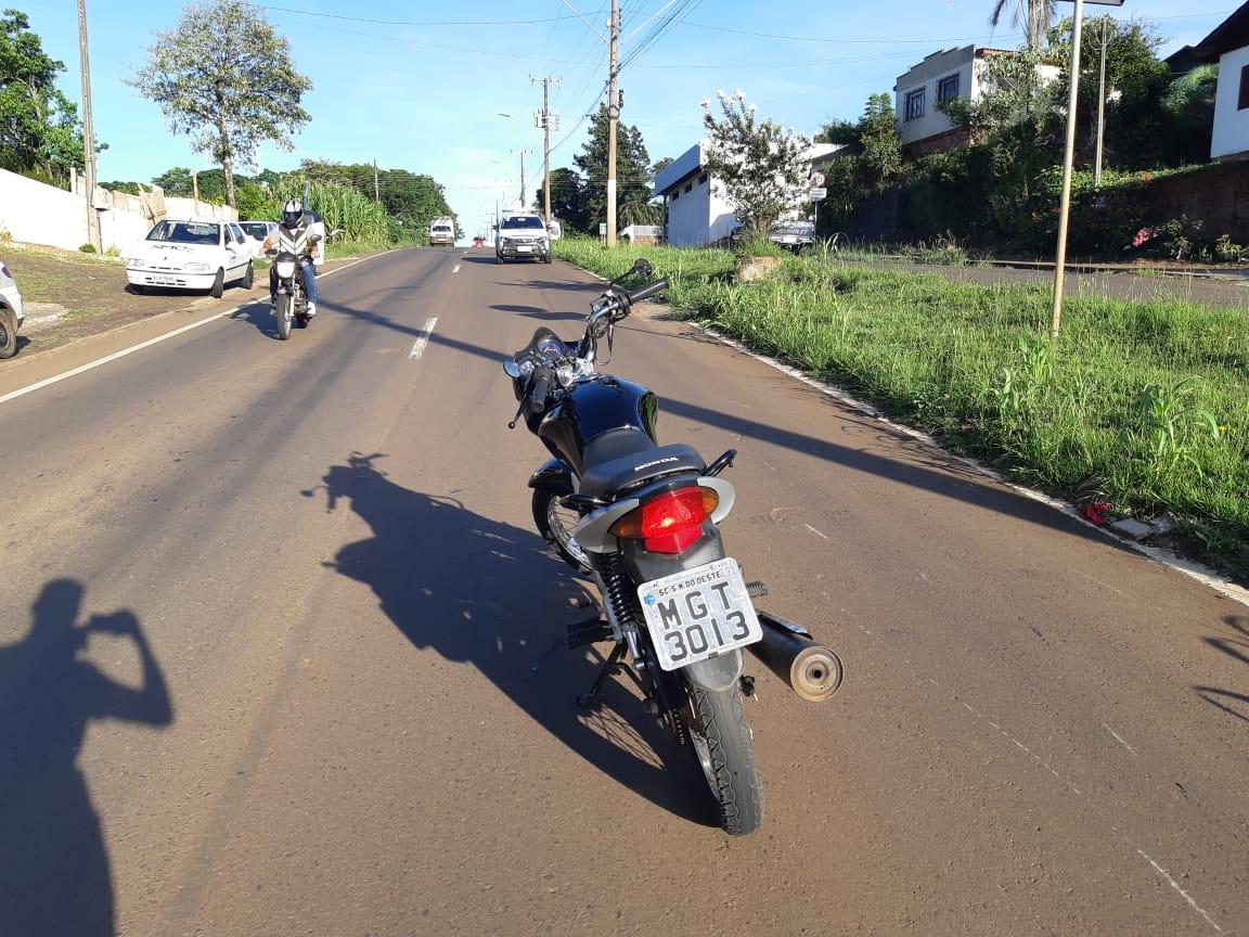 Colisão traseira deixa motociclista ferido na Willy Barth