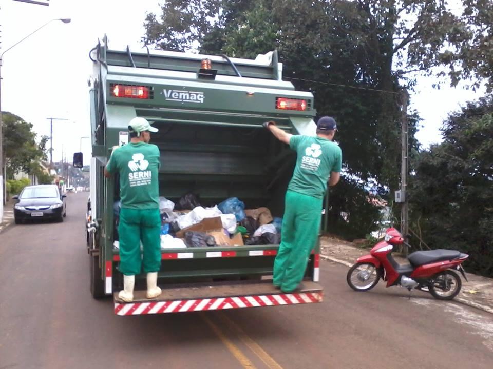 Empresa alerta sobre acidentes envolvendo recolha de lixo na cidade de Iporã do Oeste