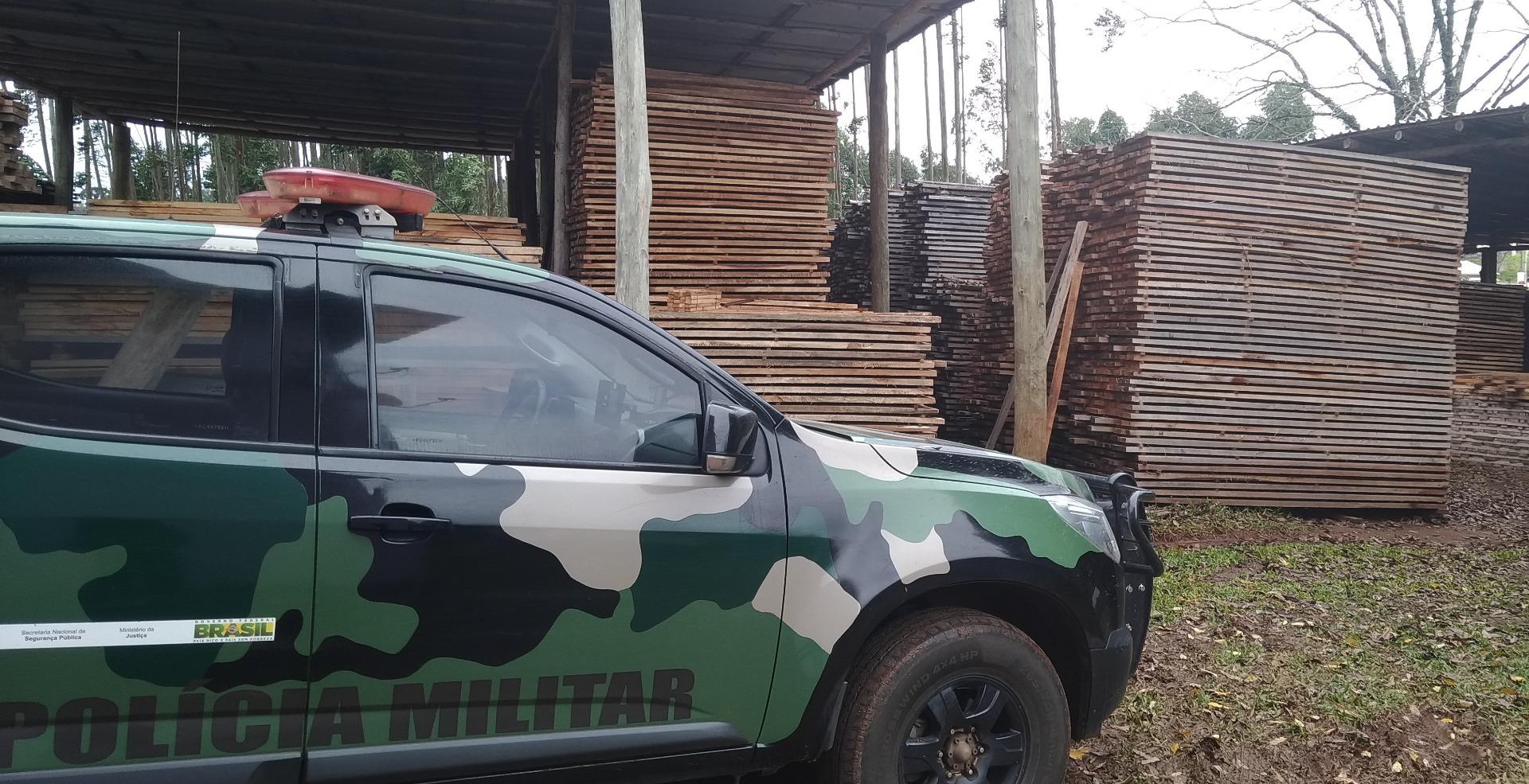 Polícia Ambiental vistoria madeireiras durante Operação Serra Fita