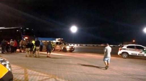 Ônibus com comerciantes é alvo de assalto na BR-101