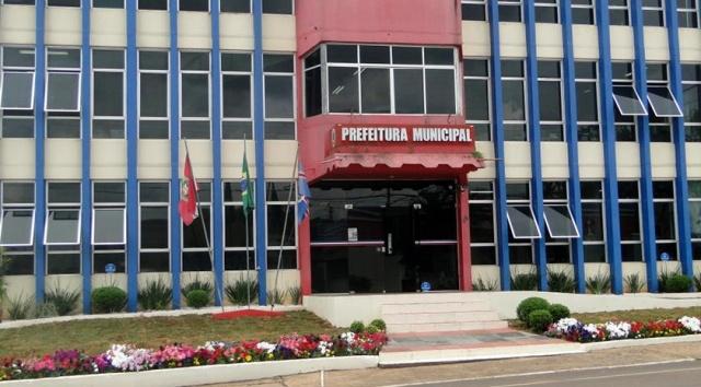 Município recebe seis veículos por meio da Receita Federal