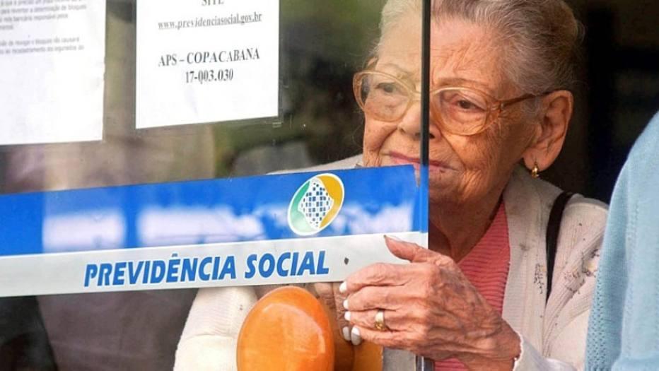 Com a reforma, idosos de baixa renda vão receber menos que um salário mínimo