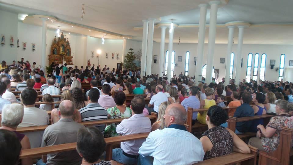 Igreja matriz de Iporã do Oeste organiza casamento coletivo