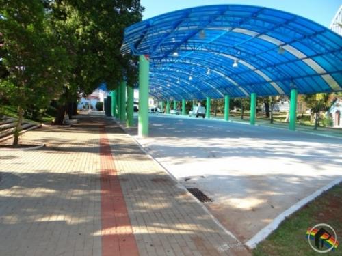 Área coberta da Praça não será cedida para atos político-partidários