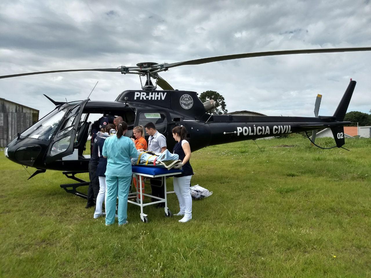 Menino socorrido de helicóptero morre no hospital