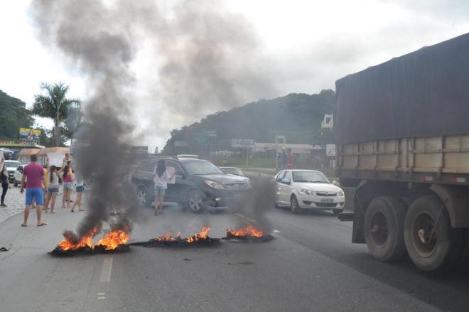 Oito empresas de SC são multadas por bloqueio de rodovias durante greve