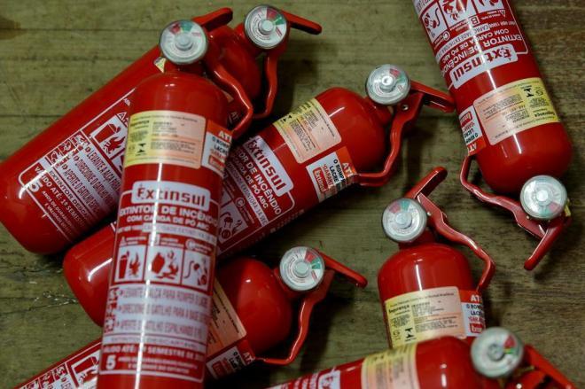 Extintores do tipo ABC podem voltar a ser obrigatórios nos carros no país