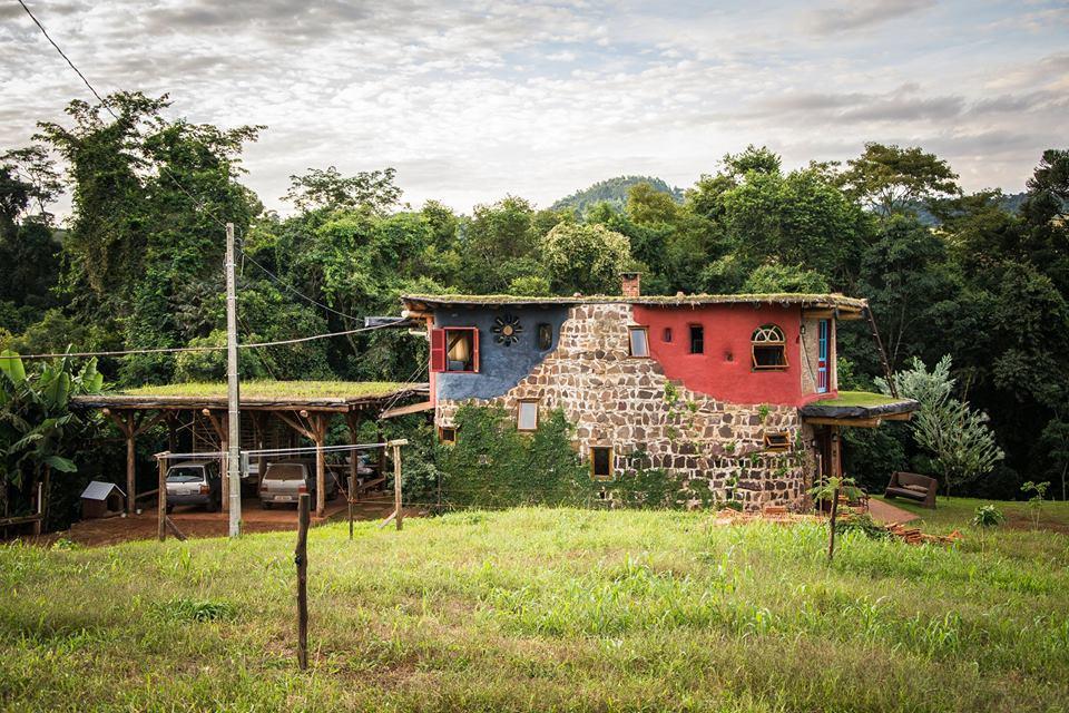Casa bioconstruída faz parte da Rota Caminhos da Fronteira