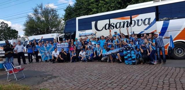 Ônibus de São Miguel do Oeste com torcedores do Grêmio da região se envolve em acidente no RS