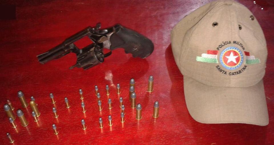 Ação integrada da Polícia apreende arma de fogo e munições