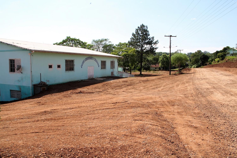 Ladrões furtam clube e casa no interior de Itapiranga e Tunápolis