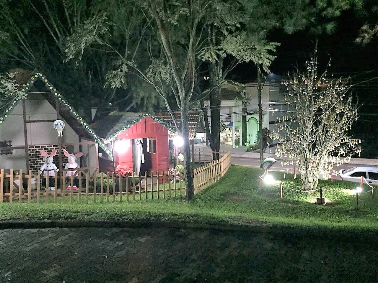 Decoração especial enfeita cidade de São João do Oeste