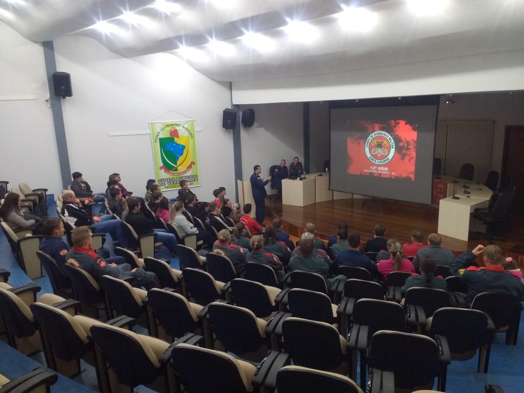 Corpo de Bombeiros de Itapiranga inicia curso avançado