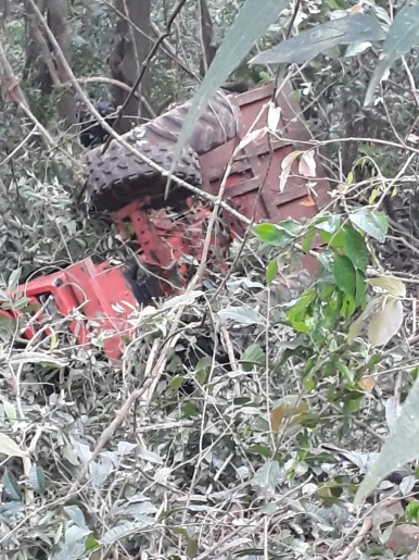 Agricultor ferido é resgatado 10h após tombamento de trator no Oeste