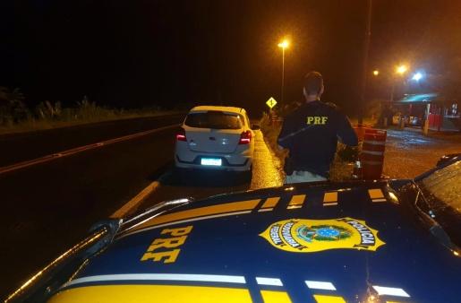 Carro roubado final de semana no RS é recuperado na BR 158 em Palmitos