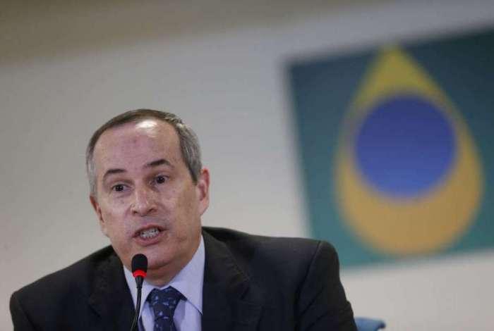 ANP fará consulta pública sobre reajustes dos combustíveis