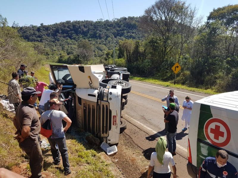 Caminhoneiro de Concórdia morre ao tombar carreta no Paraná