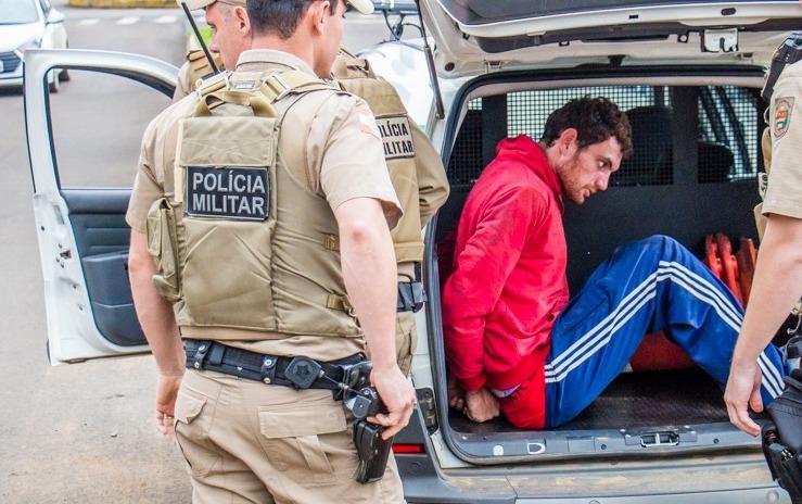 Homem é detido por populares e preso em flagrante por tentativa de roubo