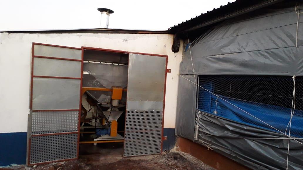 Incêndio causa danos em aviário no interior de Itapiranga