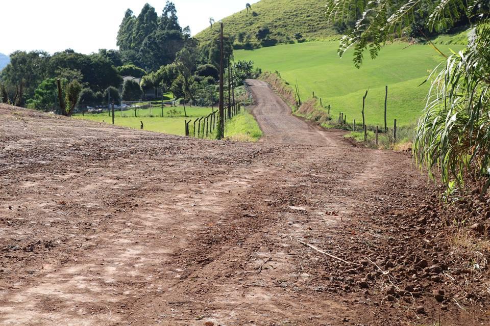 Rotas do transporte escolar recebem reparos em São José do Cedro