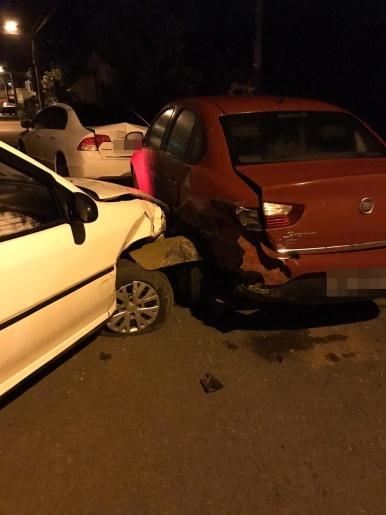 Acidente envolve quatro veículos em Itapiranga e motorista é preso