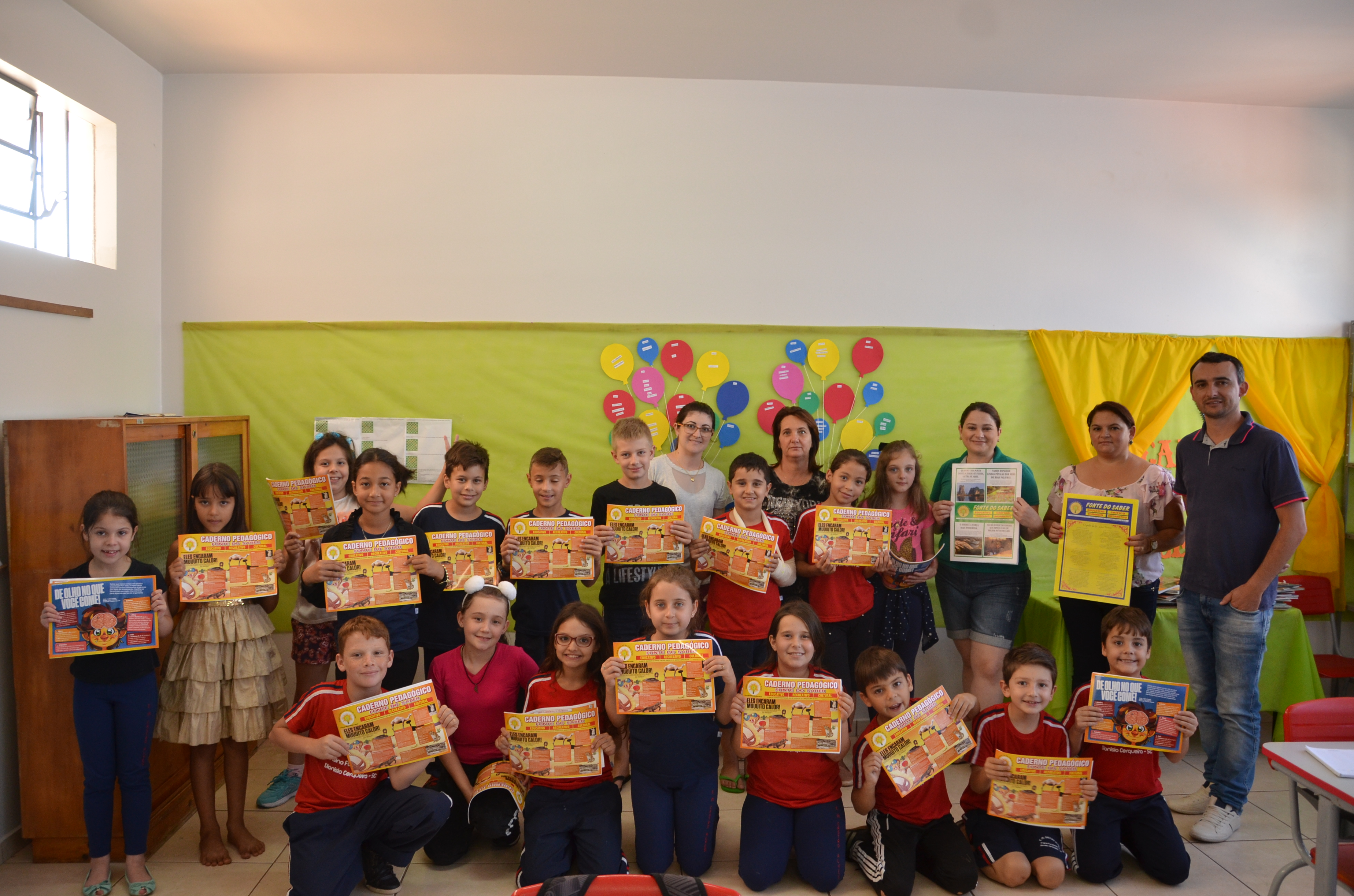 Secretaria de Educação entrega material pedagógico de apoio às escolas