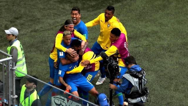 VÍDEO: Brasil vence Costa Rica com gols de Coutinho e Neymar