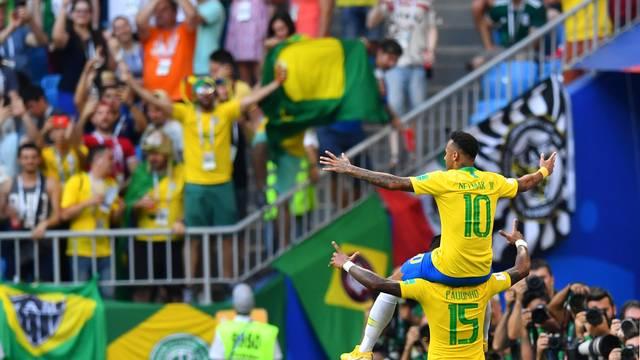 VÍDEO: Brasil vence o México e está nas quartas da Copa do Mundo