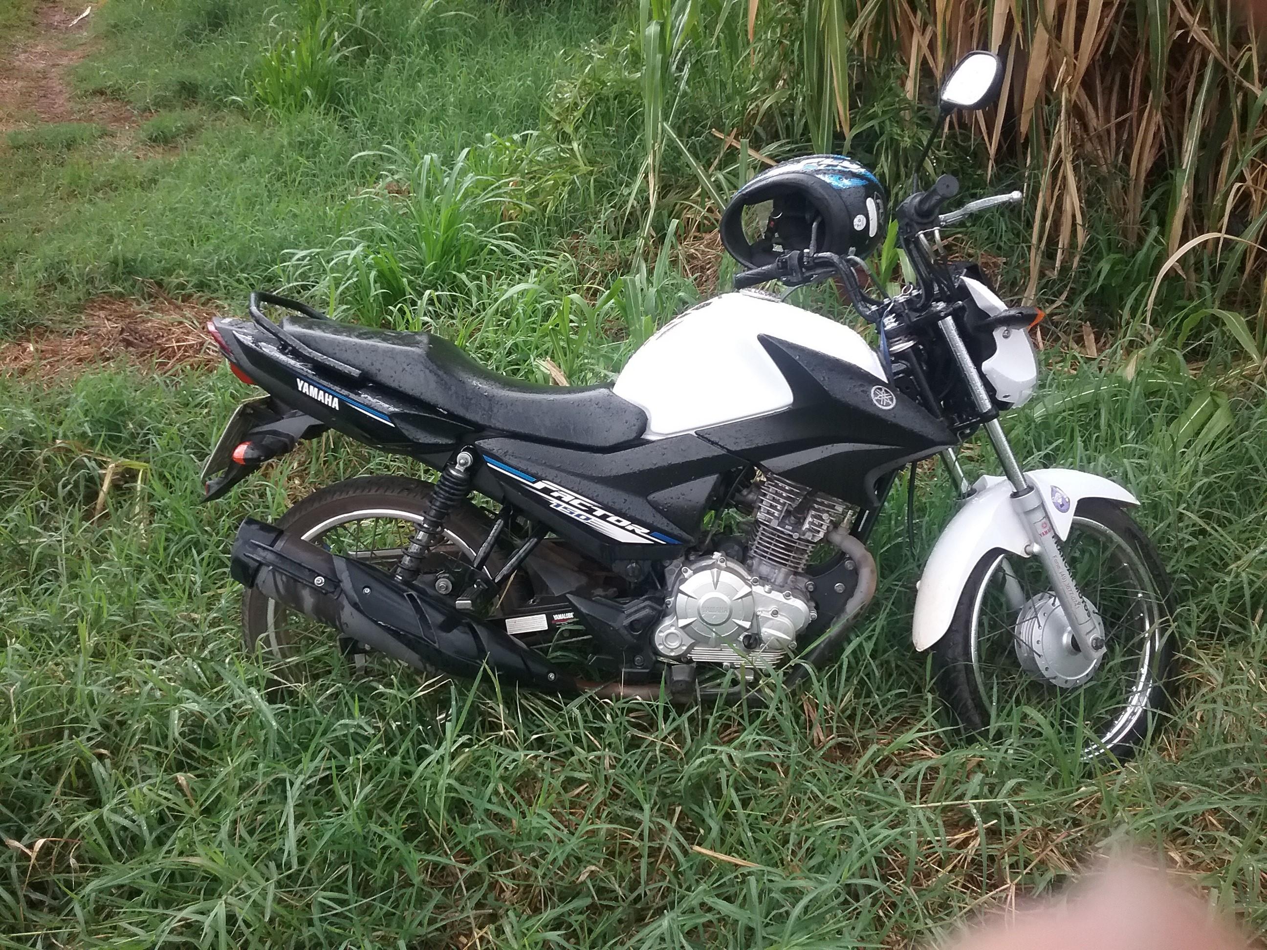 Moto furtada em porão de restaurante é encontrada no interior de Tunápolis