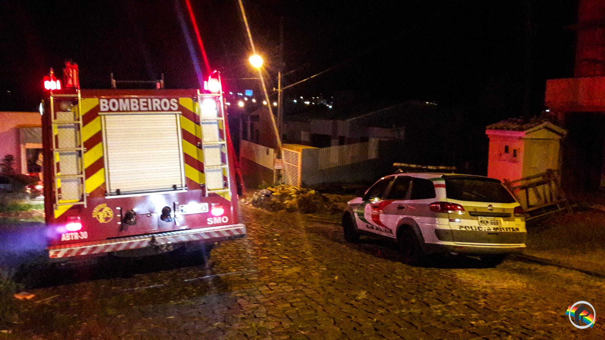 VÍDEO: Carro é completamente destruído pelo fogo em São Miguel do Oeste