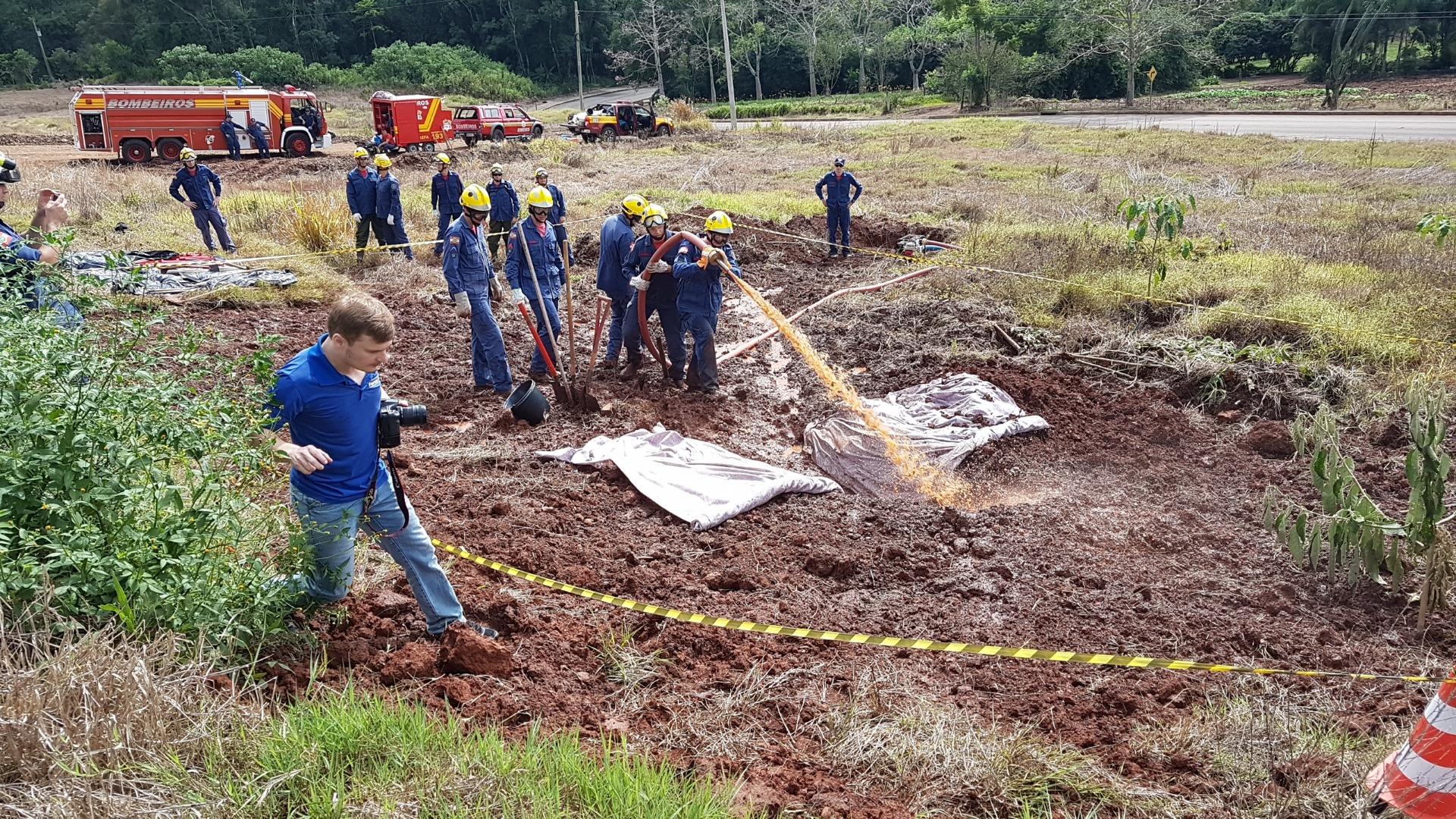 Força Tarefa dos Bombeiros realiza treinamento em São Joao do Oeste