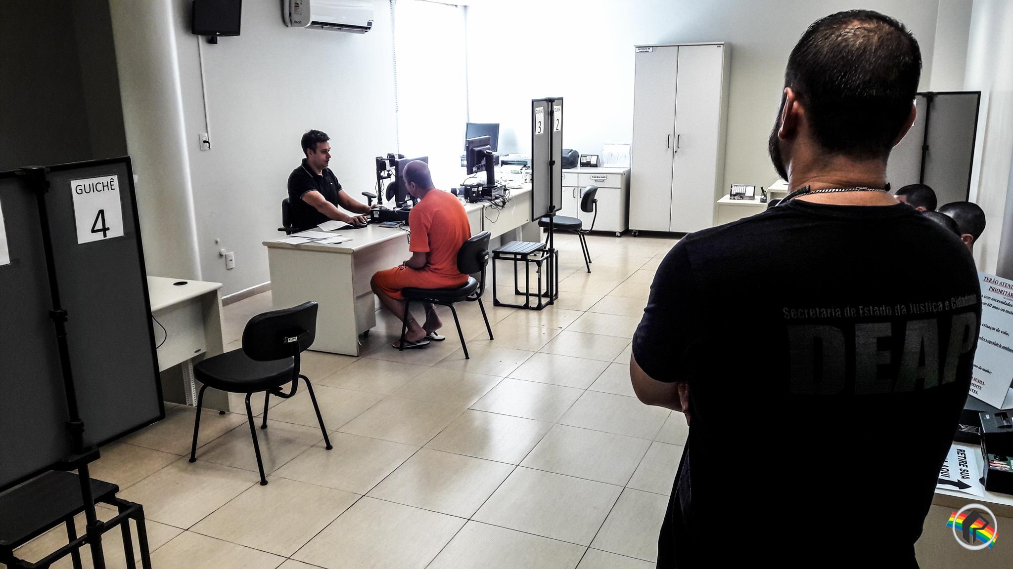 Detentos da UPA realizam o cadastramento biométrico