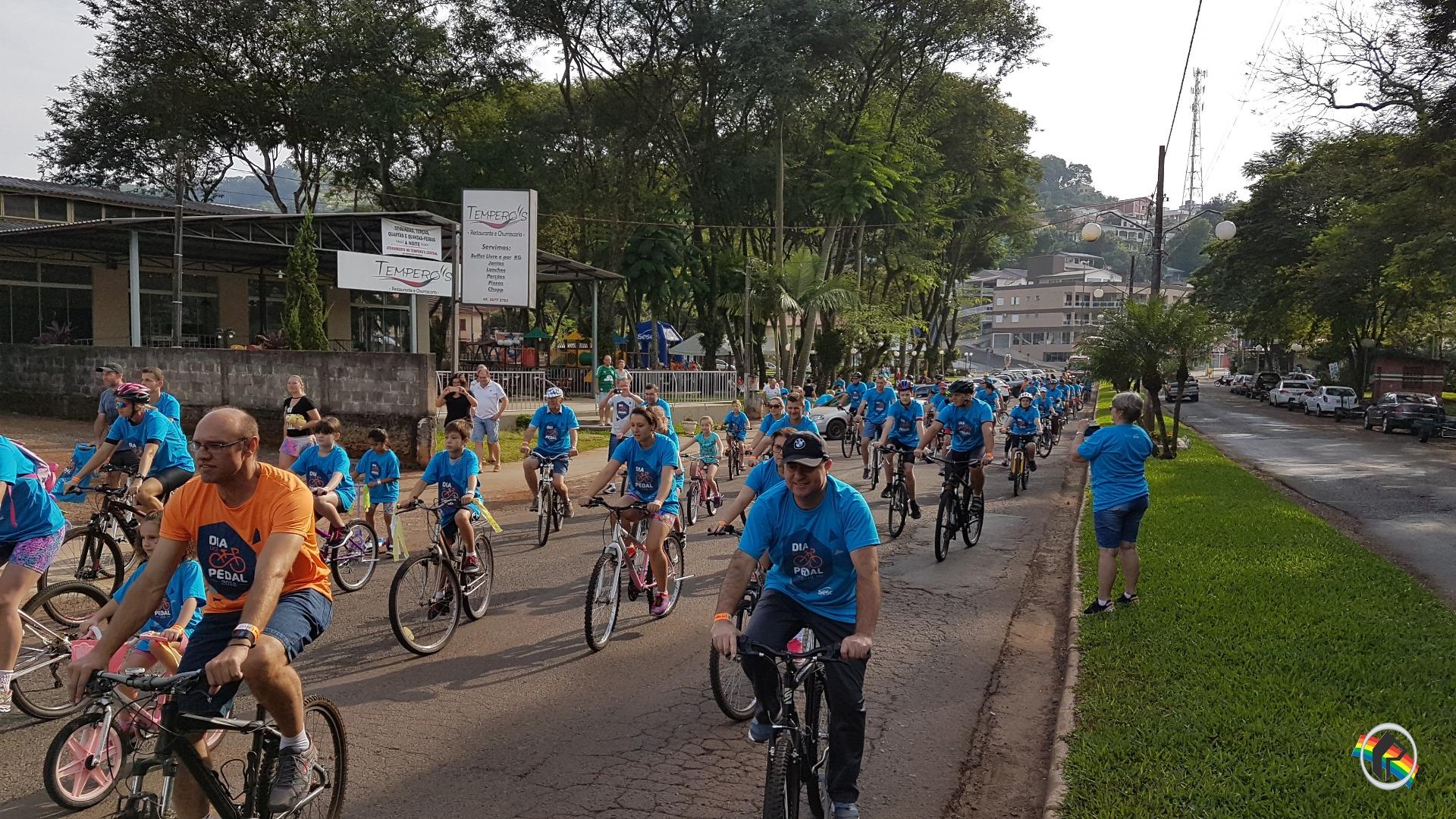 Dia do trabalhador é marcado por pedalada em Itapiranga