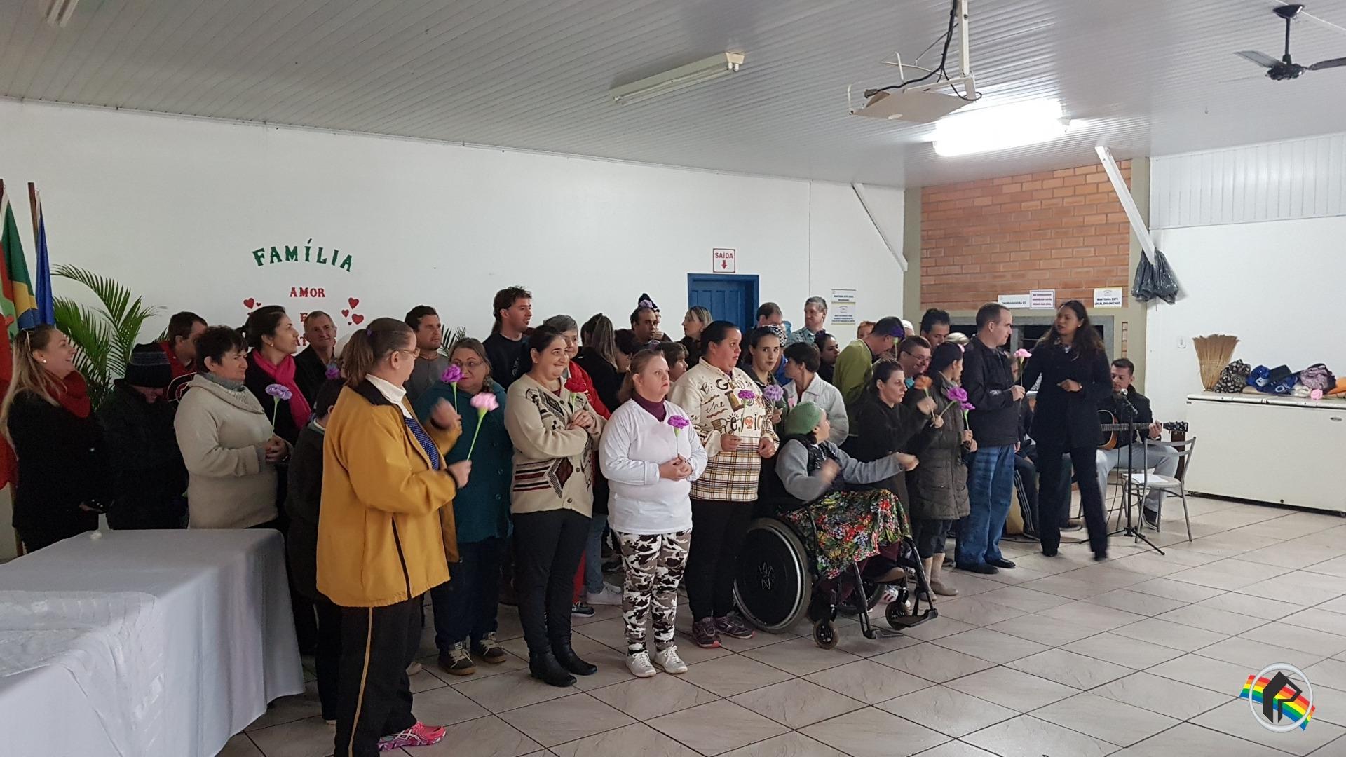 Apae realiza dia da Família na Escola