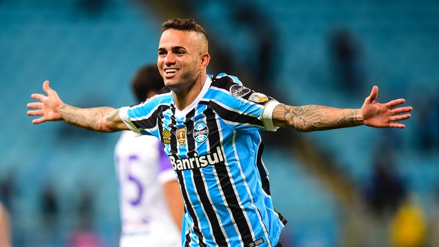 VÍDEO: Grêmio vence o Defensor e avança na Libertadores