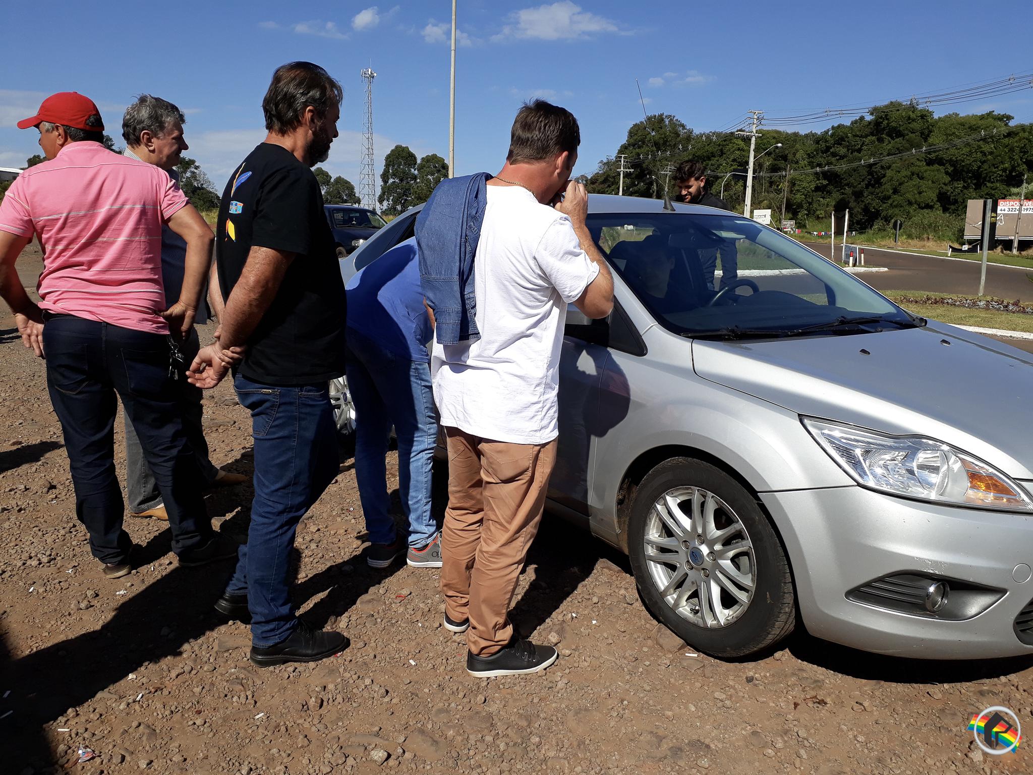 Agentes da Policia Federal checam pontos de mobilização dos caminhoneiros