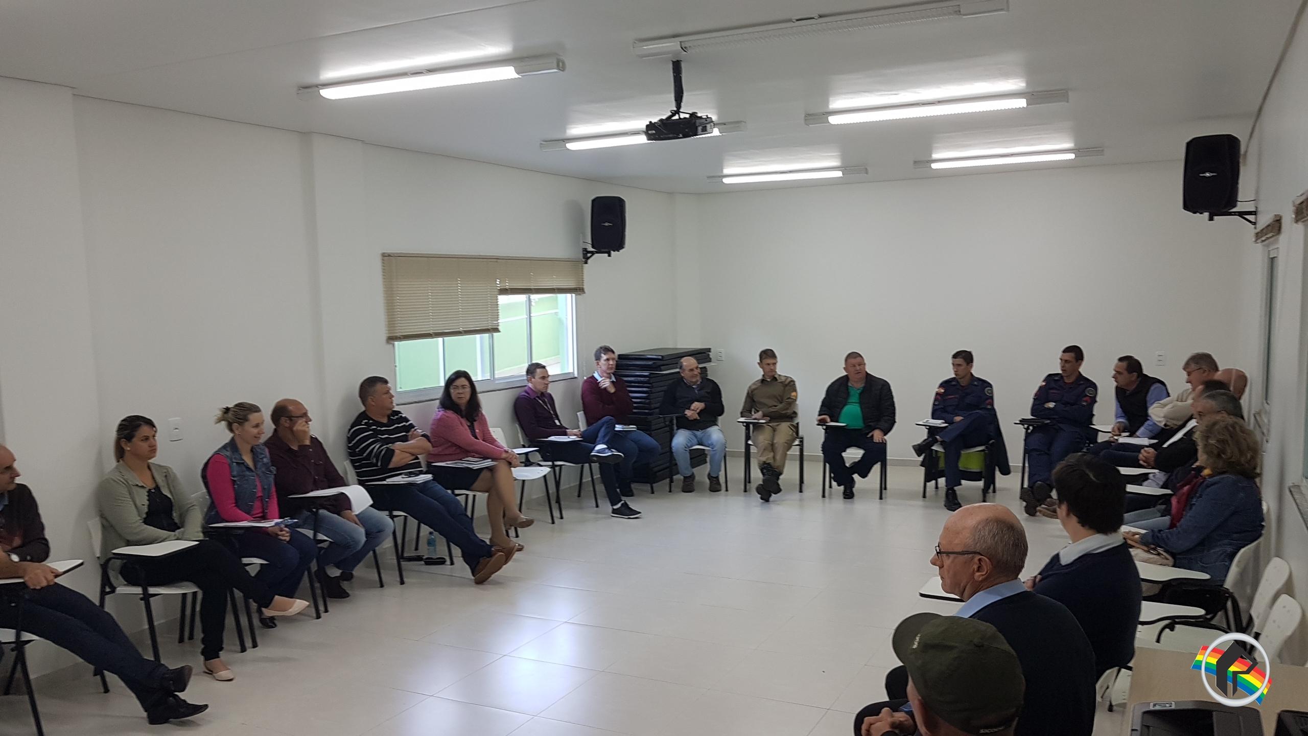 Reunião estabelece prioridades em Itapiranga
