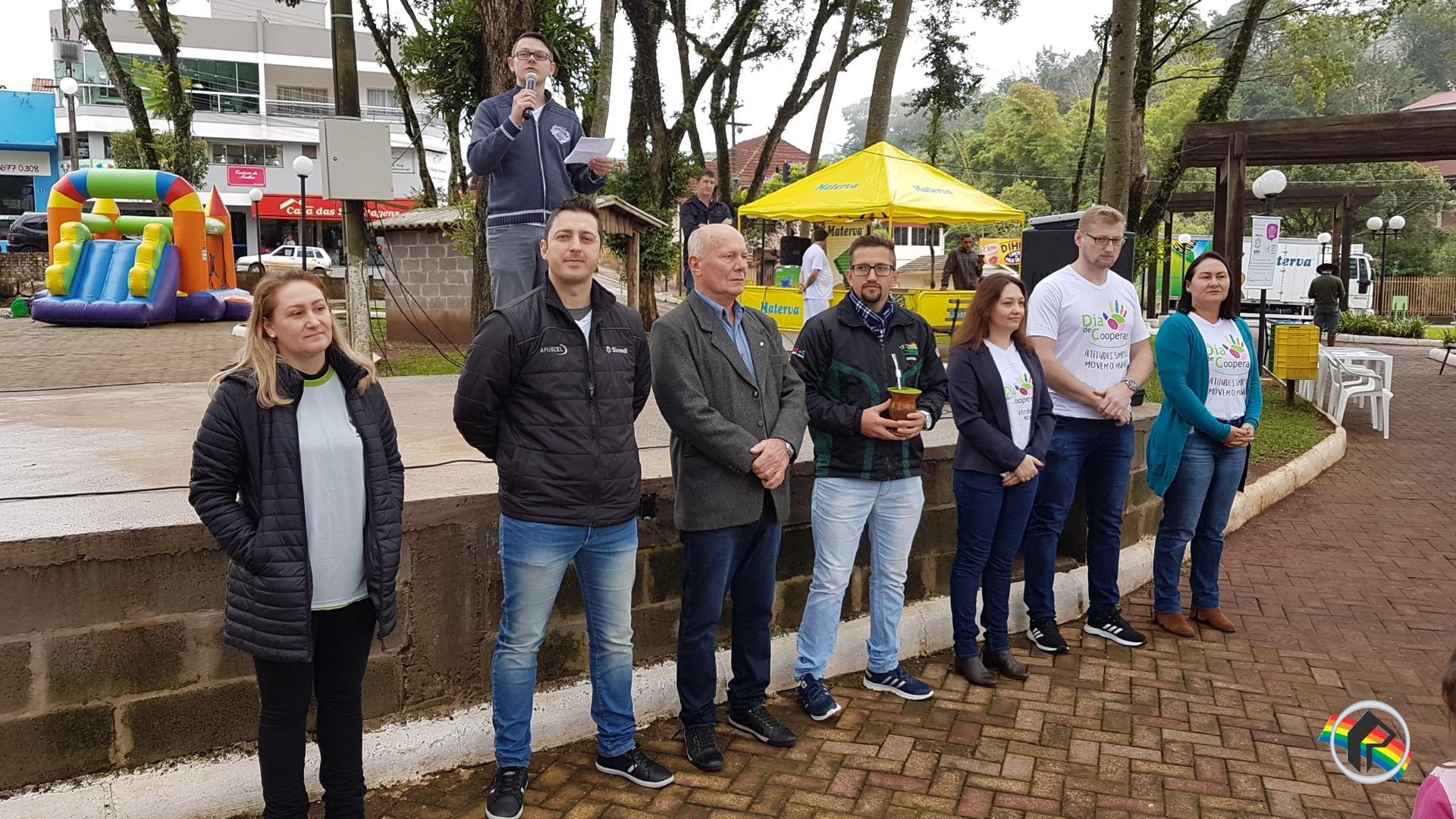 Cooperativas de Itapiranga realizam o Dia C - Dia de Cooperar
