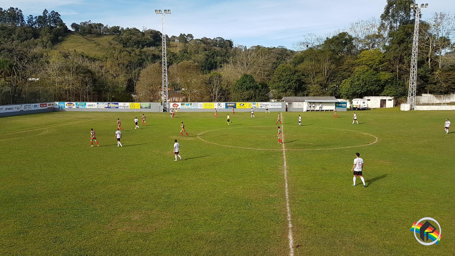 Aliança goleia na estreia do Estadual