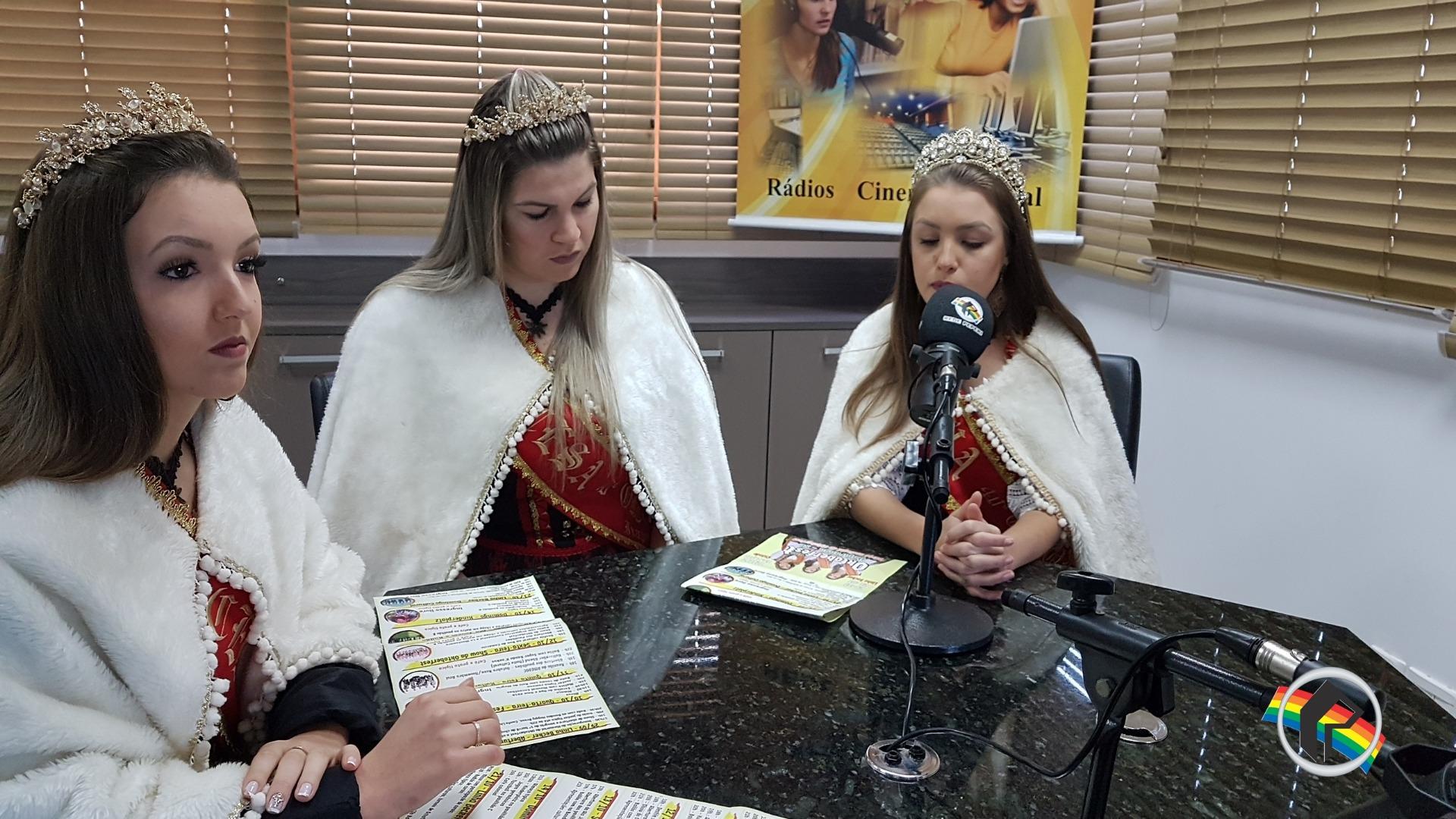 Soberanas da 40ª Oktoberfest visitam Rádio Itapiranga