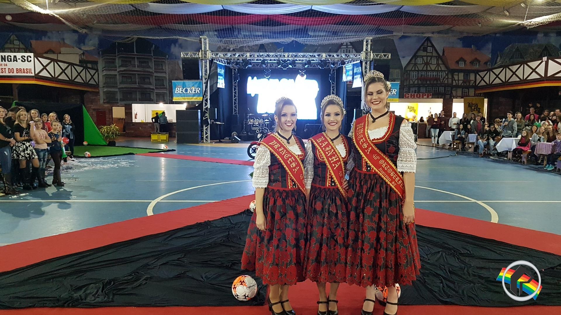 Michele Soares é escolhida garota do Esporte de Itapiranga
