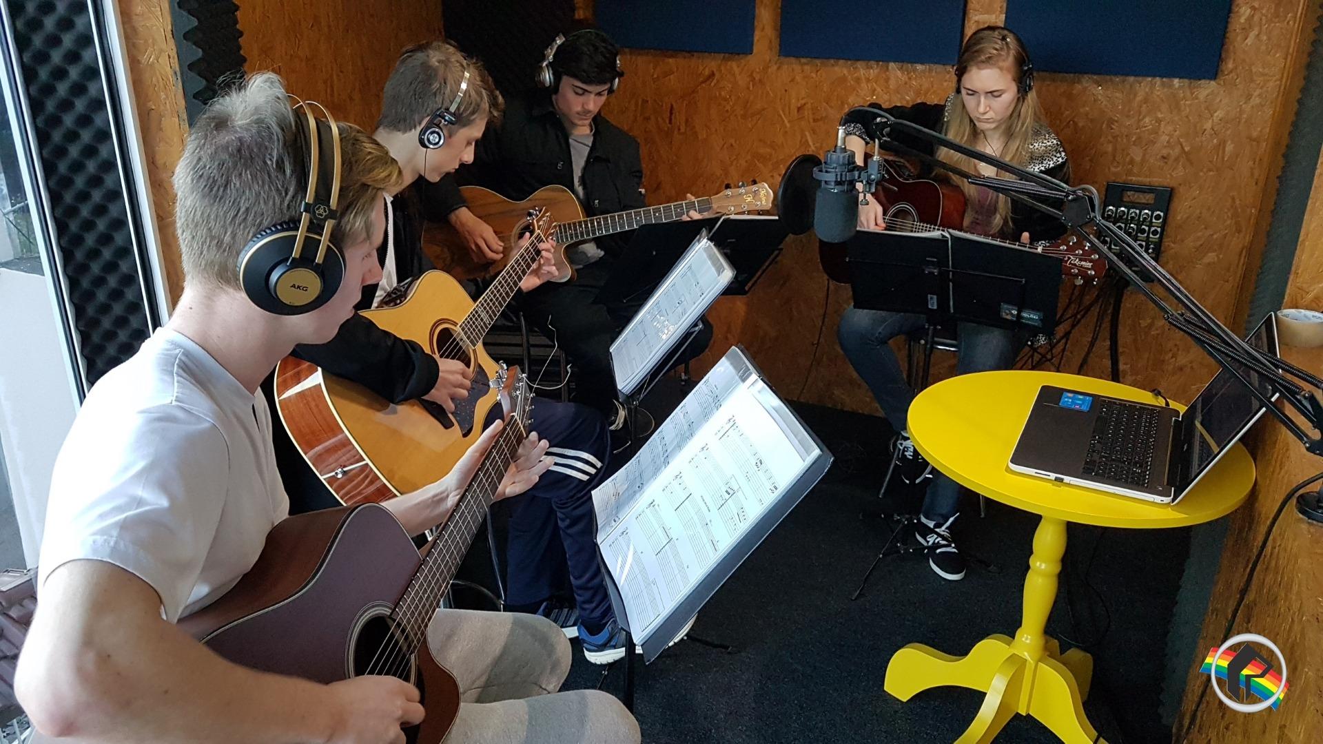 Orquestra de Violões de Itapiranga trabalha na gravação do 2º CD